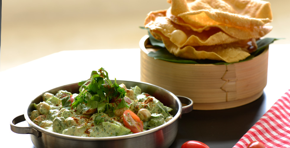 Chickpea Raita with Poppadoms